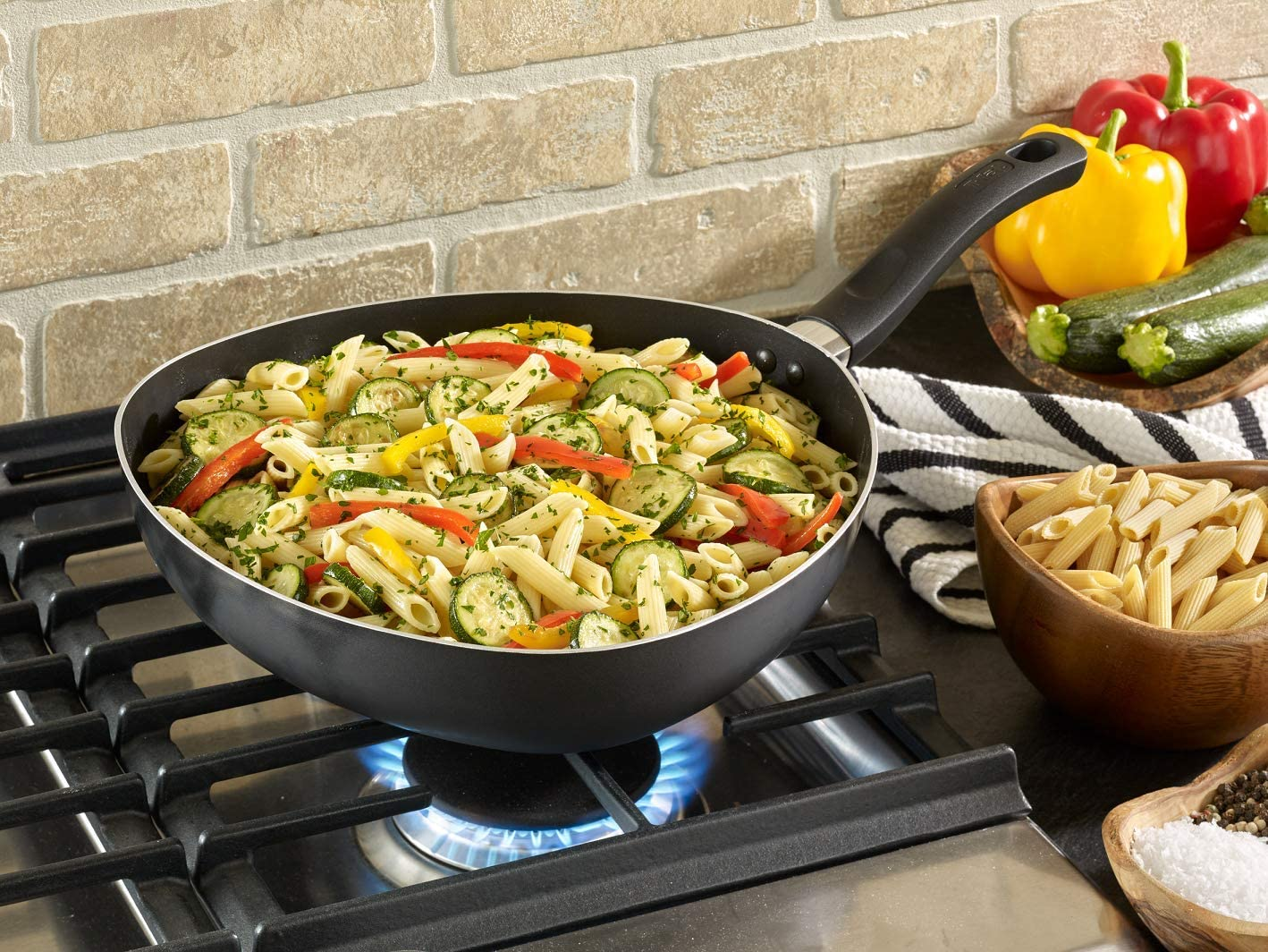 T-Fal Pans Reviews - The Buying Guide You Need 1