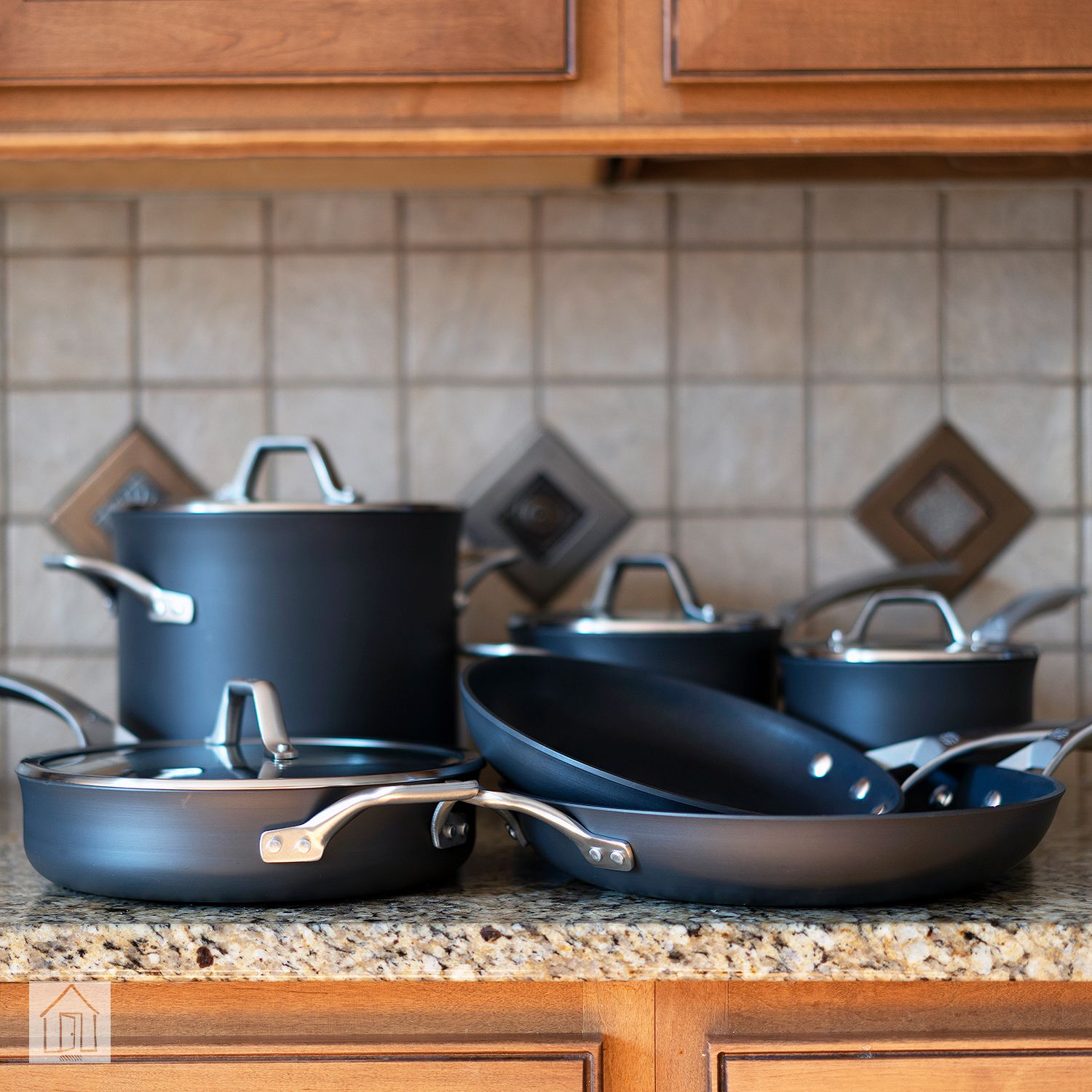 How to Clean Calphalon Pans 1