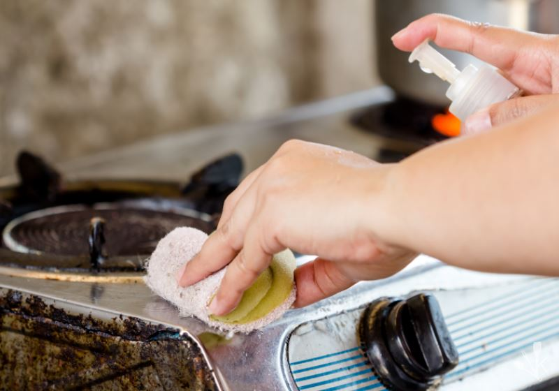 How to Clean Stove Drip Pan 3