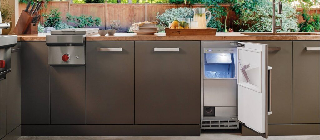 How Does an Ice Maker Work? 3