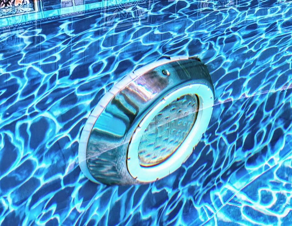 How to Change a Pool Light 2
