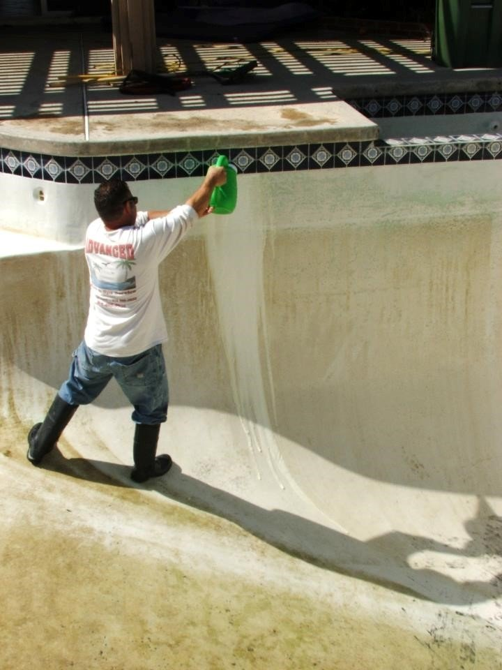 How to Acid Wash a Pool 4
