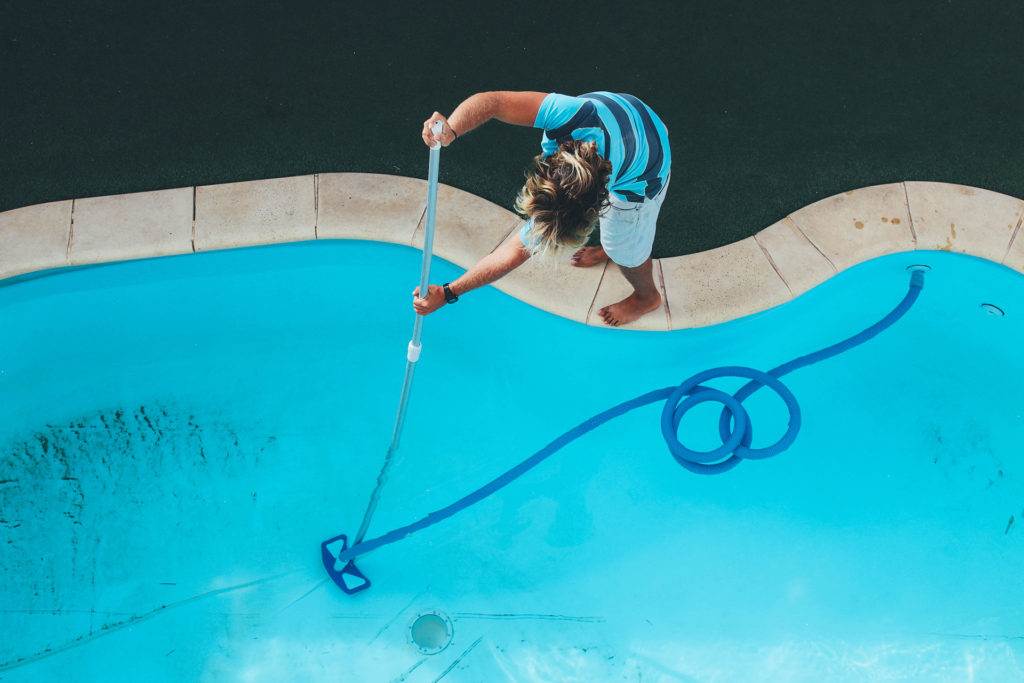 How to Maintain a Saltwater Pool 4