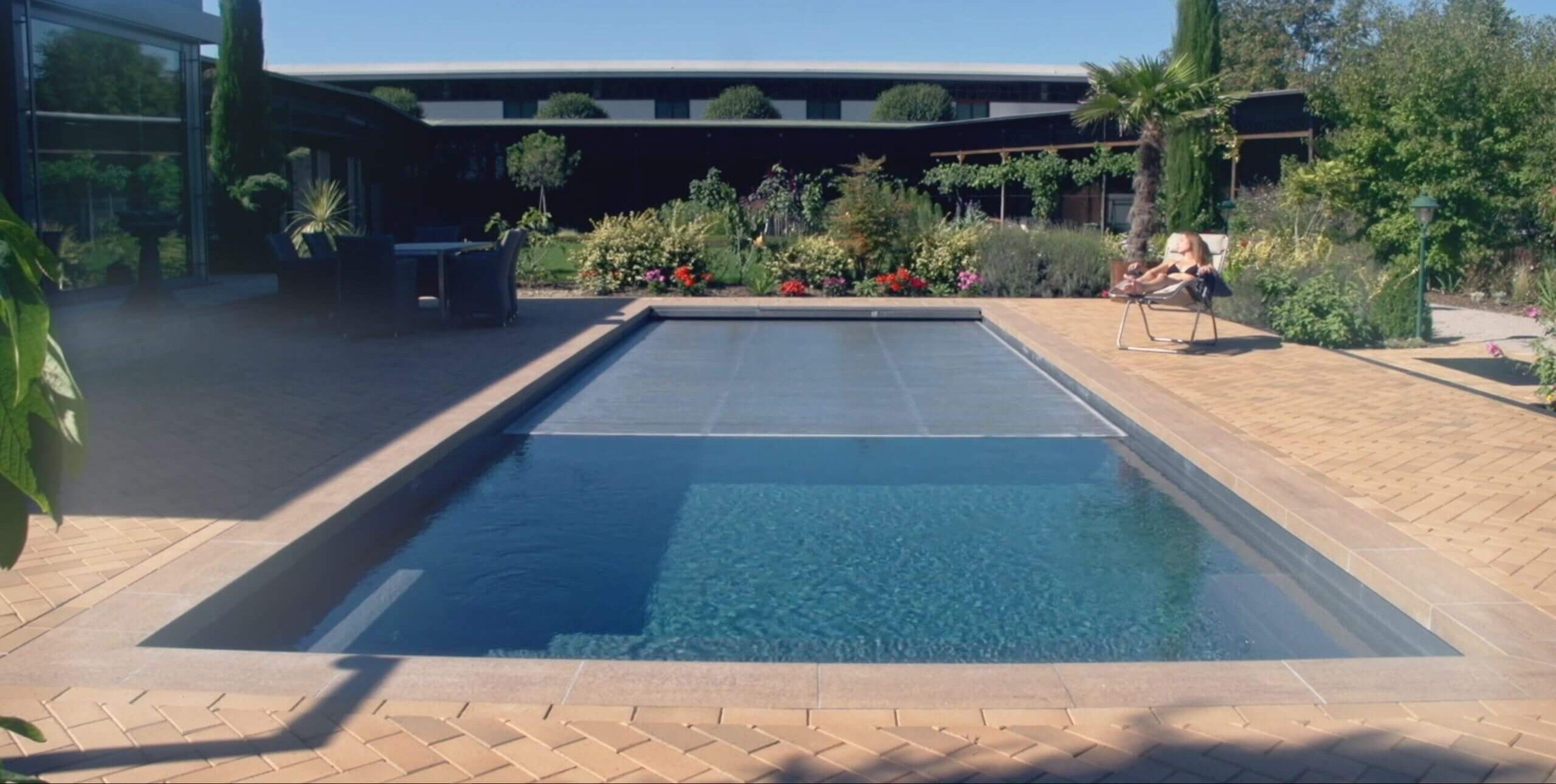 12 Mil vs 16 Mil Pool Cover: the Best One to Choose 3
